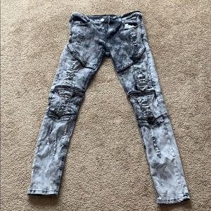Jeans (distressed)